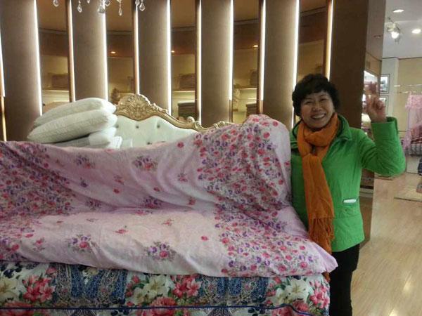 深圳市赢家服饰有限公司-爱心棉被温暖于都新员工